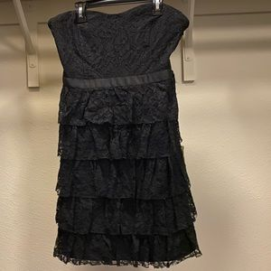 Short length lace dress - black